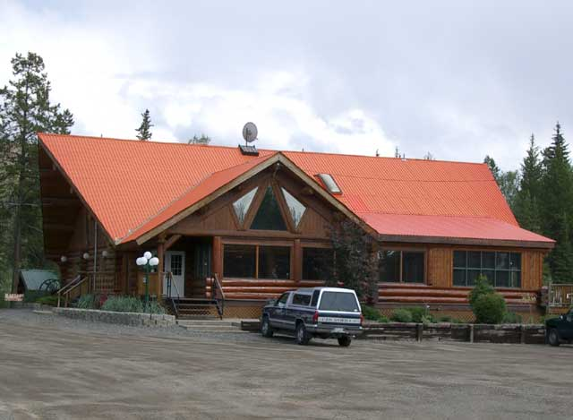 Eagle Island Resort Lone Butte Bc