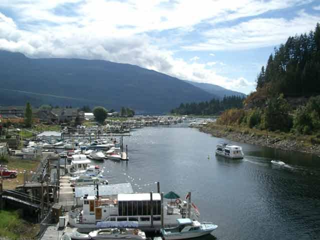Canada - Houseboat Rentals  Boat Rentals
